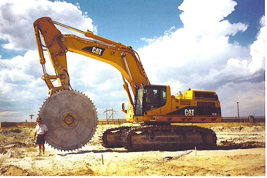 3 meter quarry saw attachment on CAT Caterpillar excavator