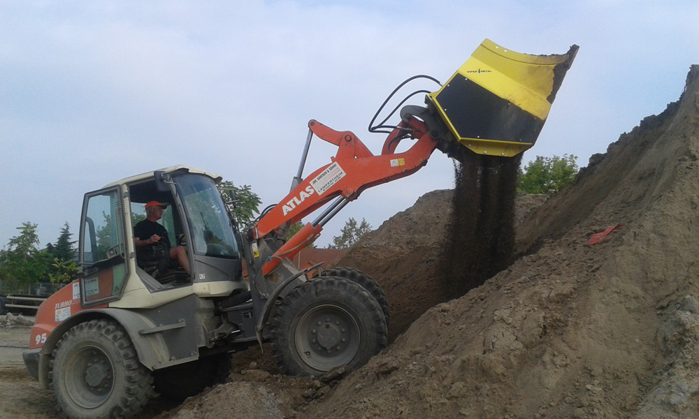 Screening bucket for mini excavator